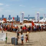 beachvolley toernooi op het strand van Vrouwenpolder